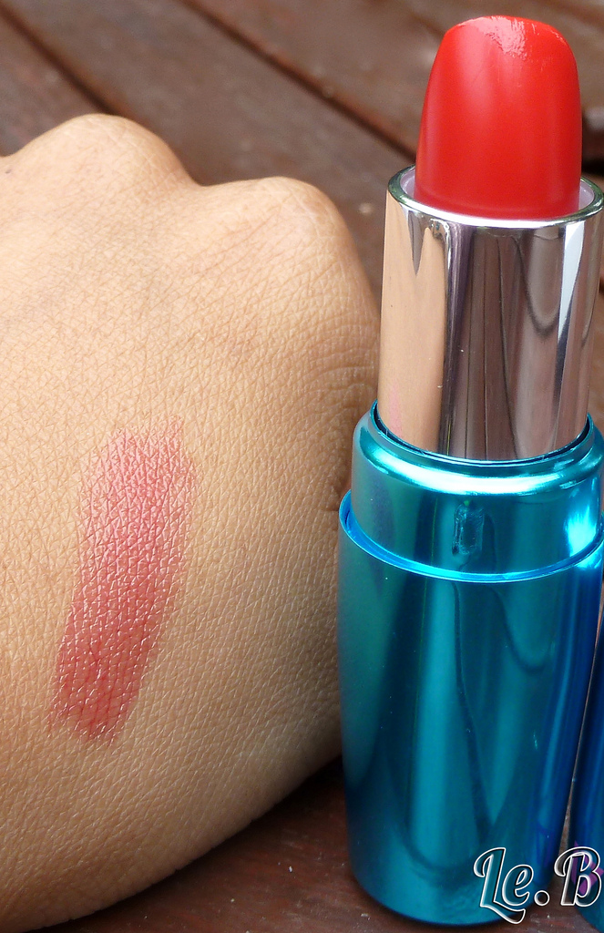 REVIEW: Boots 17 Mirror Shine On Lipstick in Hollywood