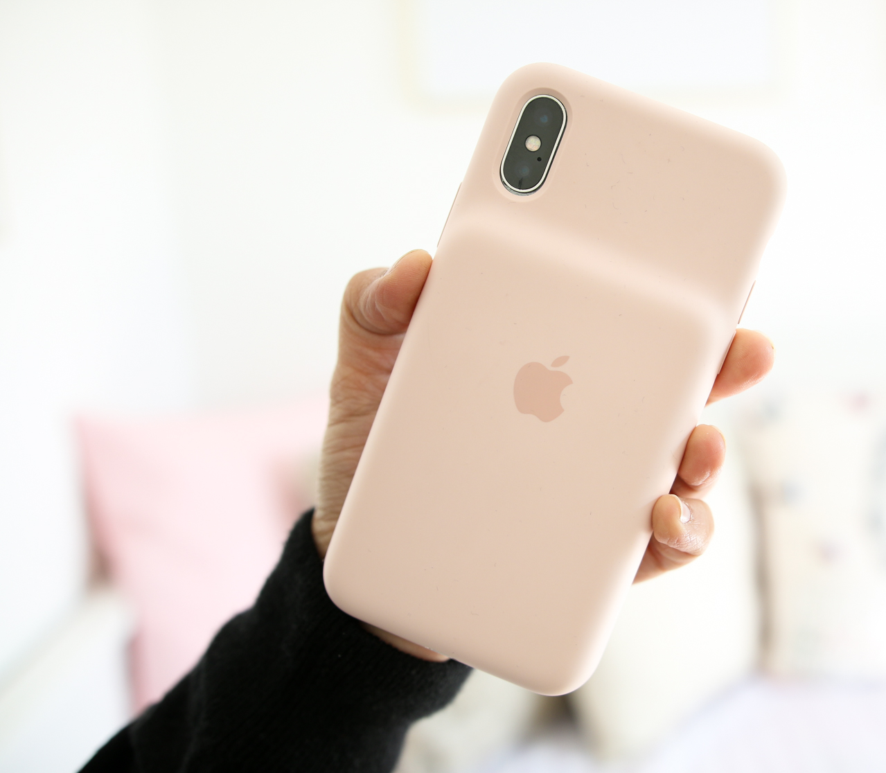 iPhone X Smart Battery Case in Pink Sand